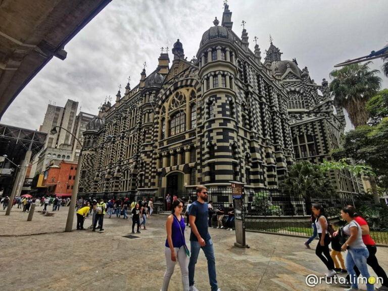 Que ver en Medllín - Palacio de la Cultura Rafael Uribe