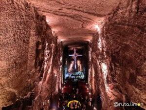 Cruz de la nave principal de la catedral de Zipaquira