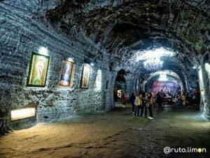 Nave en la mina de sal de la catedral de Zipaquira
